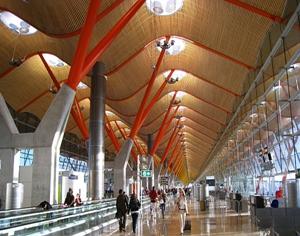 马德里巴拉哈斯国际机场超现代照明设计