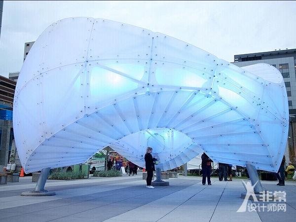光学传感器互动的雕塑