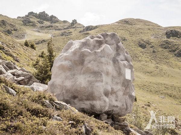 """阿尔卑斯山下""""消失的""""木制小屋"""