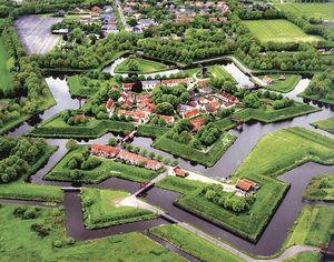 荷兰最美小村——热武器时代的星型要塞