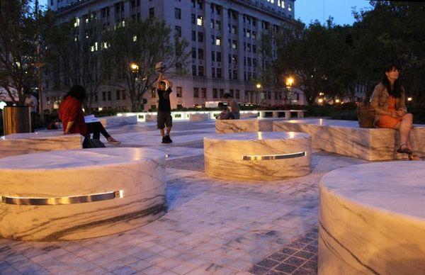 美国雅各布贾维茨联邦大厦广场