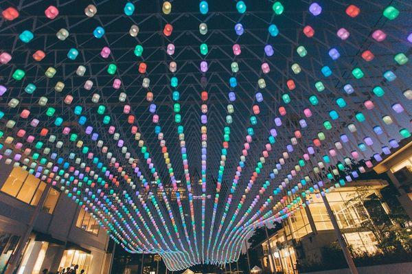 """3000盏照明灯打造梦幻""""星空"""""""