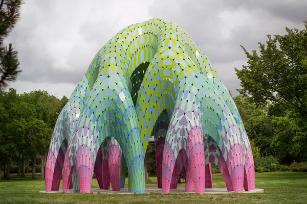 加拿大埃德蒙顿borden公园拱形垂柳亭