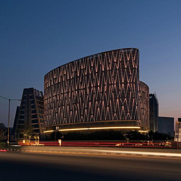 超大LED立面外观,艾哈迈达巴德Mondeal广场