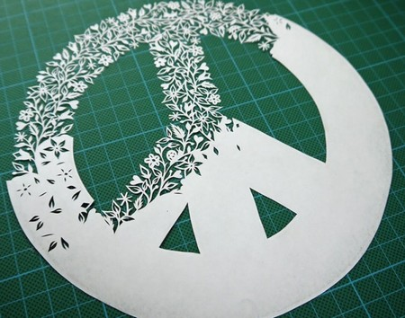 手工切割出来的繁复剪纸