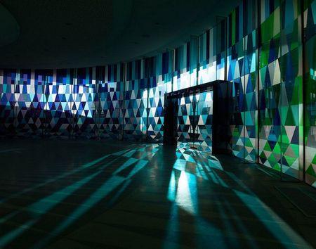 洒落指尖神圣的光——上海彩虹玻璃礼堂