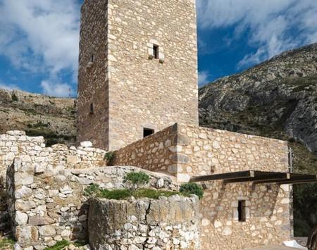 希腊抗战塔楼改建寓所
