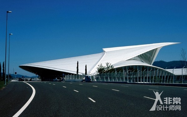 毕尔巴鄂机场航楼