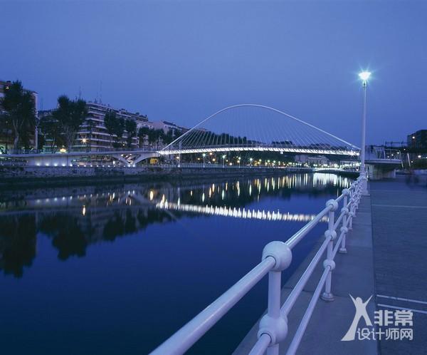 毕尔巴鄂步行桥