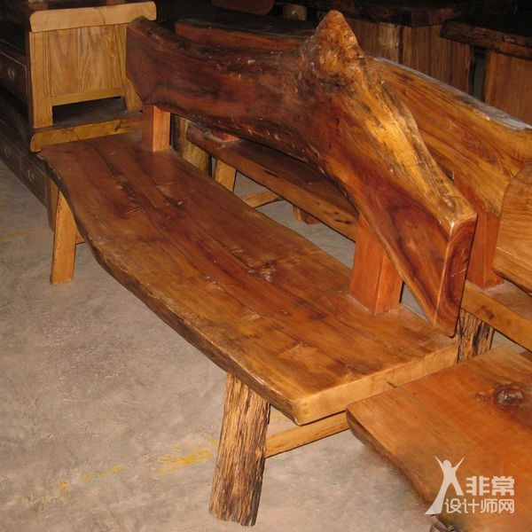 原木杆椅子图片