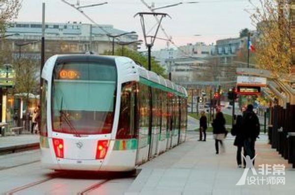 资讯 行业新闻 产品设计         轻轨,介乎于地铁和公交车之间的一种