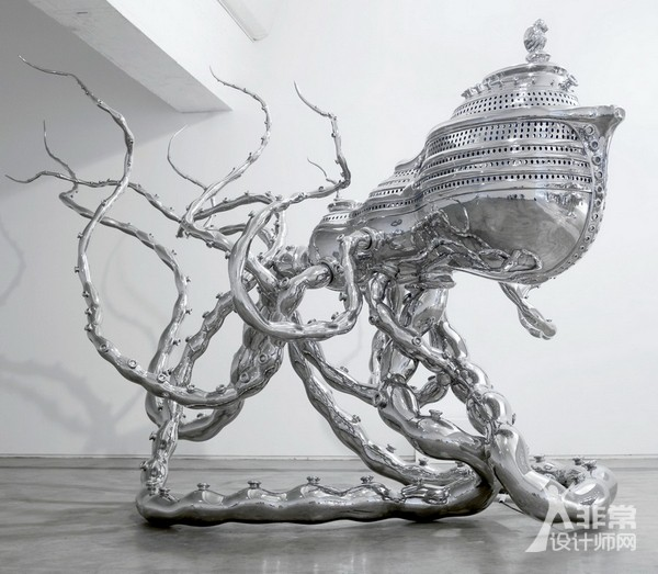 著名雕塑家陈文令