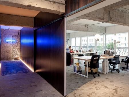 时尚的清贫-Blue Space 办公室