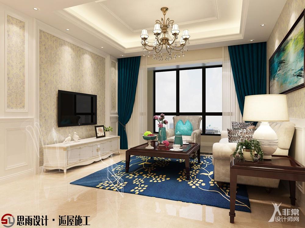 电视背景墙采用木板造型结合花纹壁纸,白色家具搭配米黄色地砖,温馨