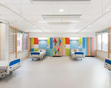 让孩子不再害怕住院,色彩斑斓的病房设计