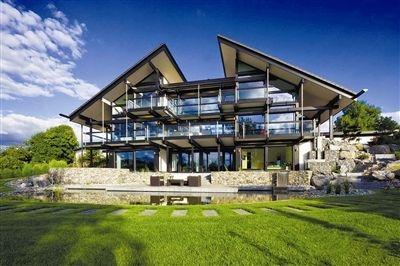 新建别墅等建筑基本为全装配式钢(-木)结构.