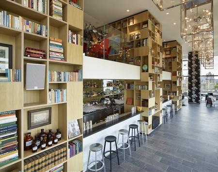 移动、现代、模块化:CitizenM的伦敦塔酒店