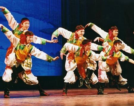蒙古族舞蹈——狼图腾