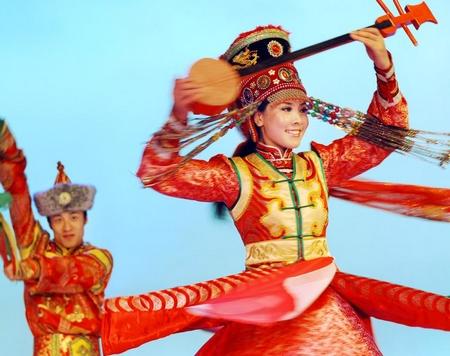 蒙古族舞蹈与服饰特点