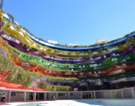 如彩虹一般的华丽酒店