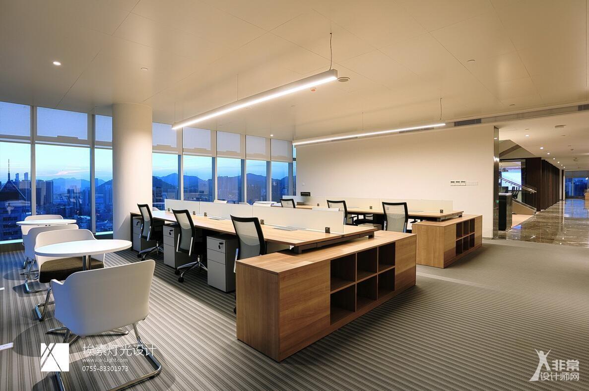 深圳物质大厦办公大楼顶层灯光设计