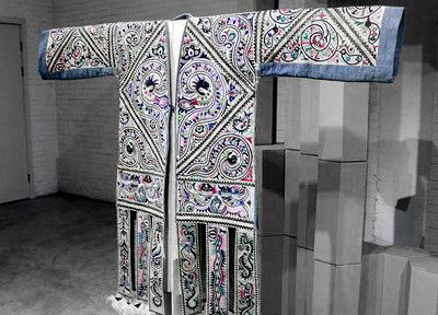 2013北京国际设计周-尝试贵州:水晶苗绣